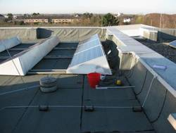 Figure 4: Examples of the setup of the sensors within a building: on the roof (left) or in the top storey (right)
